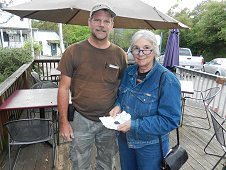 Sutter's Mill Expedition - Greg with Alice Butler who found an oriented 9.906 gram stone.